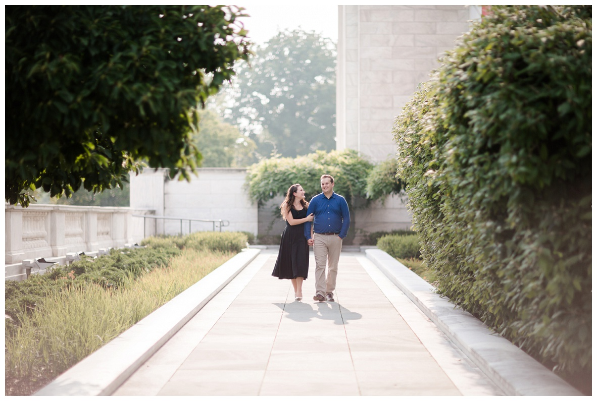 Cleveland Museum of Art and Edgewater Park Engagement Session_0036.jpg