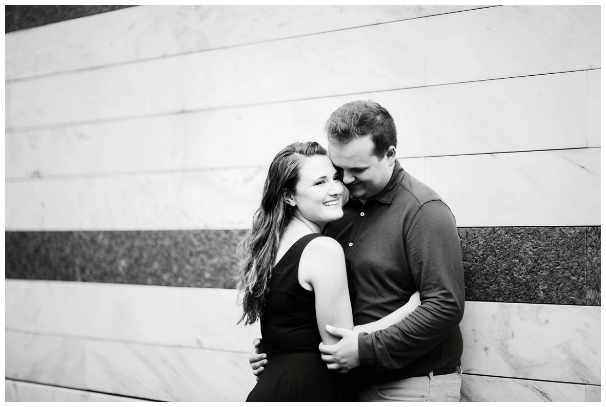 Cleveland Museum of Art and Edgewater Park Engagement Session_0040.jpg