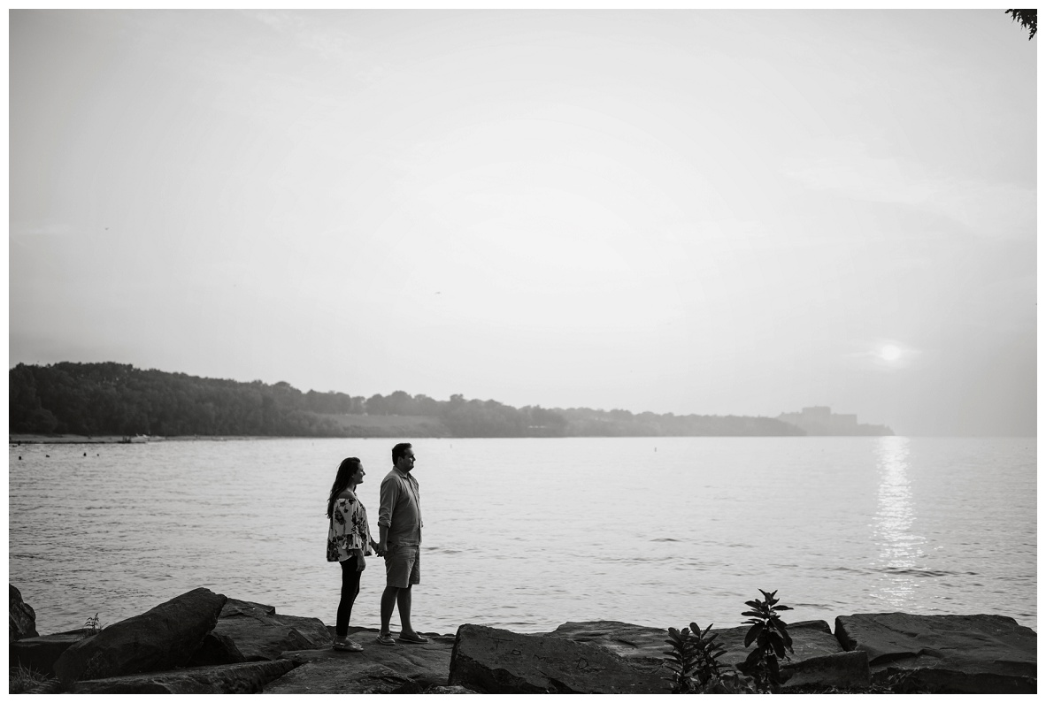 Cleveland Museum of Art and Edgewater Park Engagement Session_0060.jpg