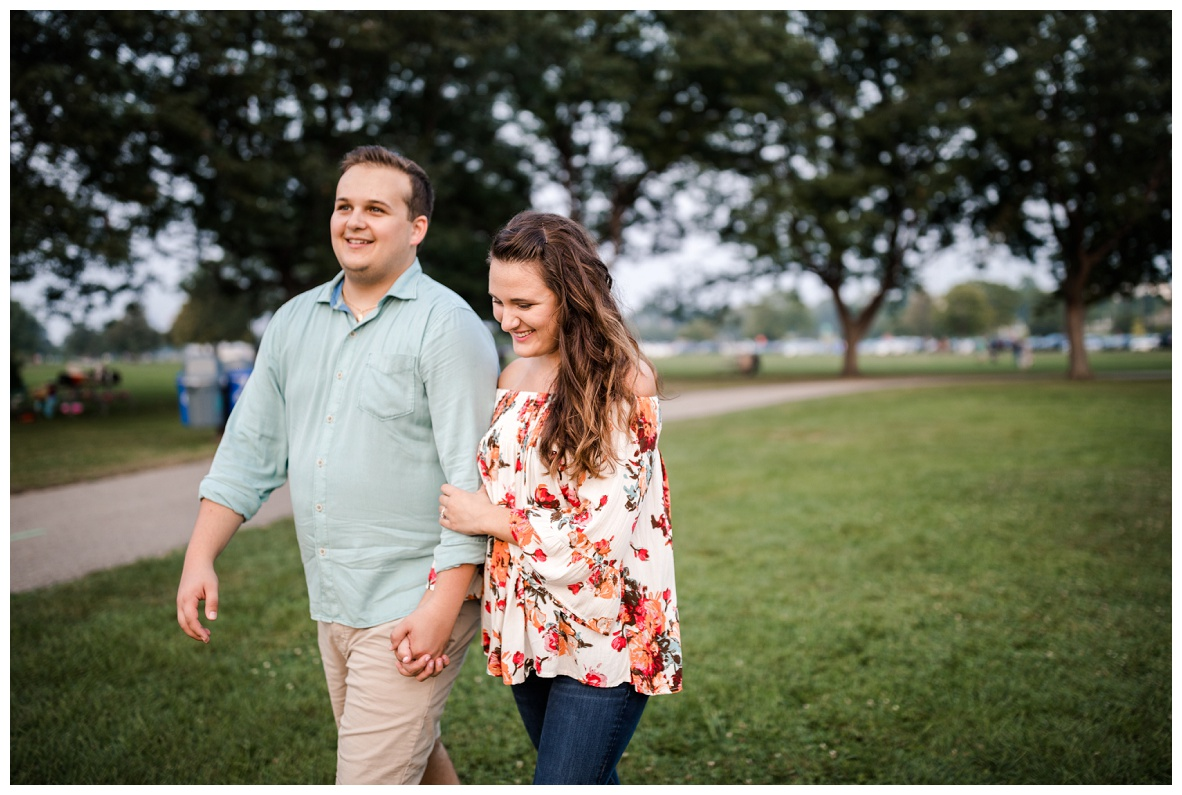 Cleveland Museum of Art and Edgewater Park Engagement Session_0063.jpg
