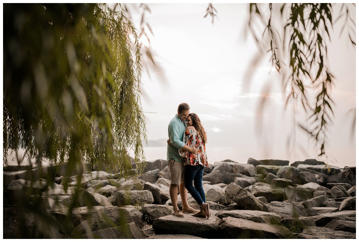Cleveland Museum of Art and Edgewater Park Engagement Session_0066.jpg