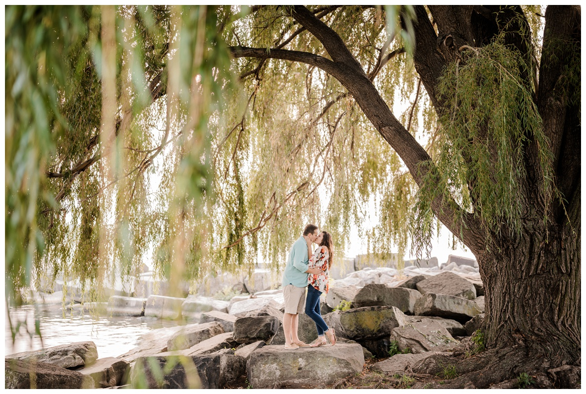 Cleveland Museum of Art and Edgewater Park Engagement Session_0065.jpg