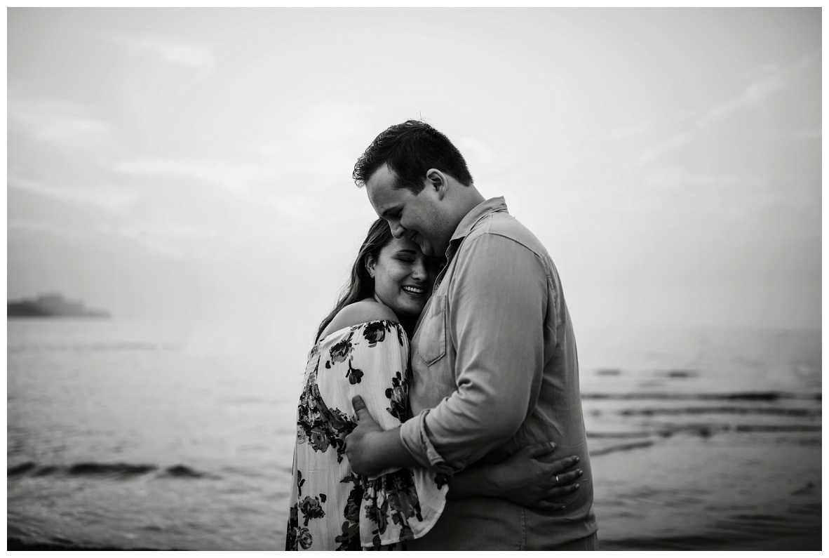 Cleveland Museum of Art and Edgewater Park Engagement Session_0070.jpg