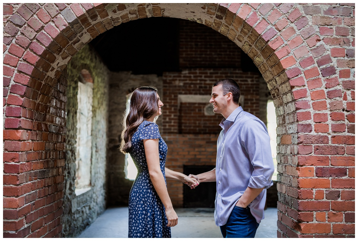 Squire's Castle Engagement Session_0011.jpg