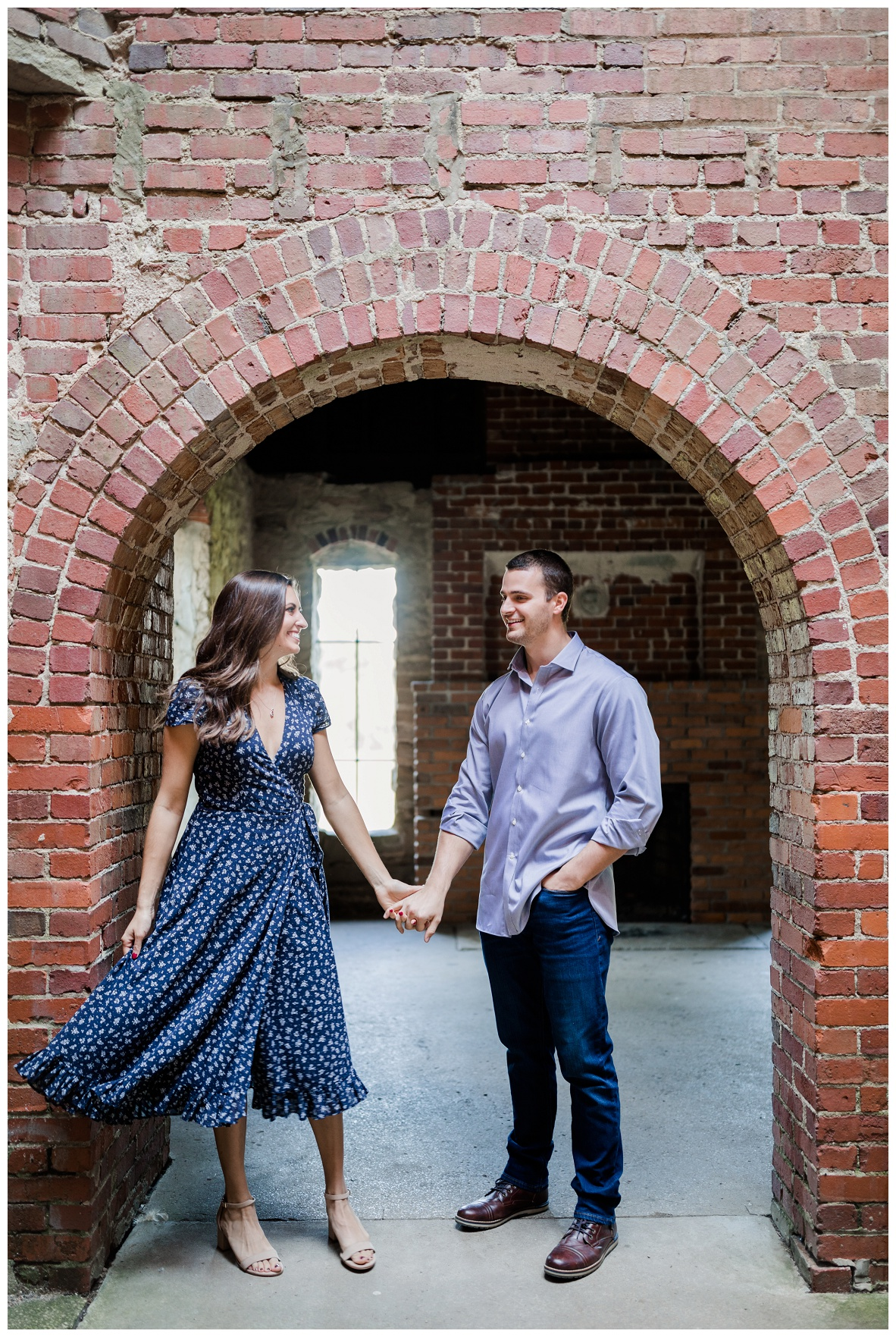 Squire's Castle Engagement Session_0012.jpg