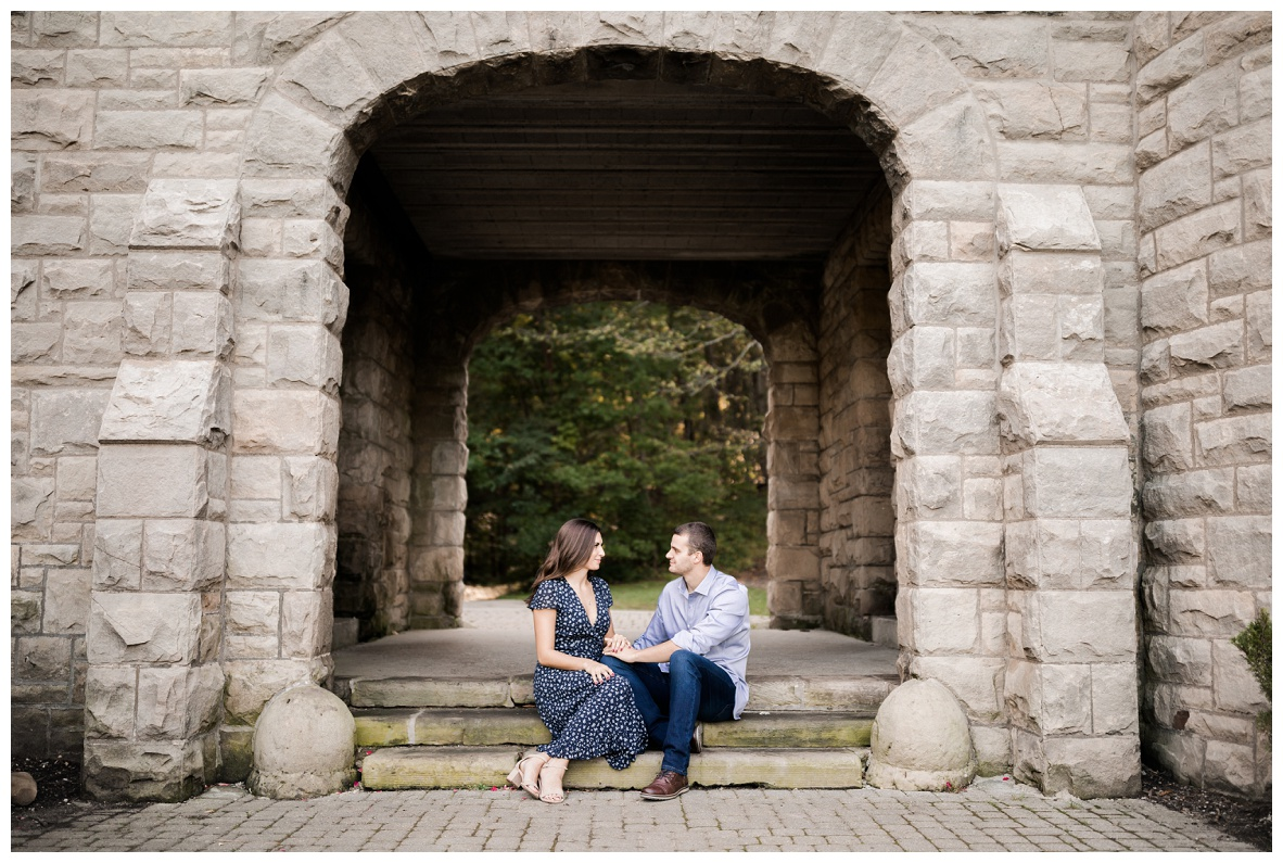 Squire's Castle Engagement Session_0028.jpg