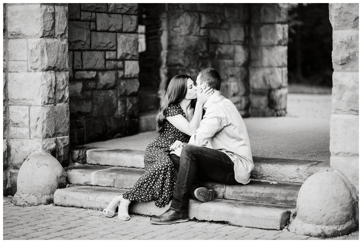 Squire's Castle Engagement Session_0030.jpg
