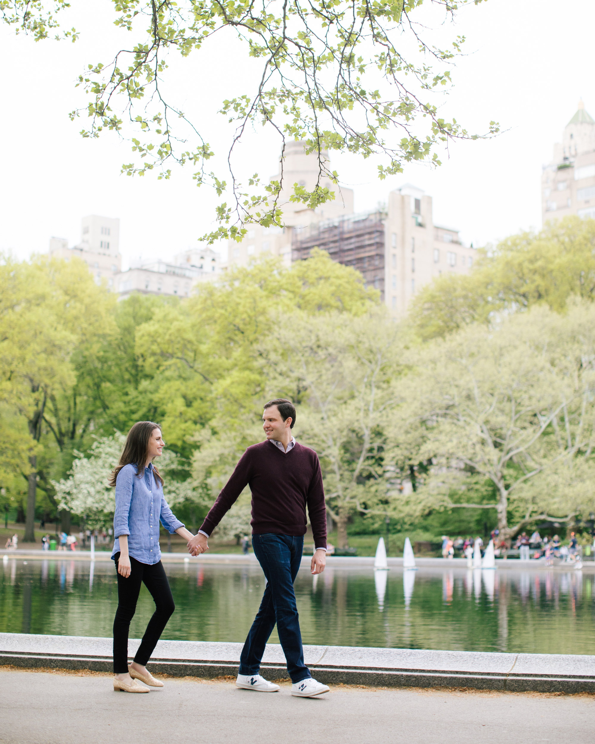 04_central_park_engagement_session_photos.jpg