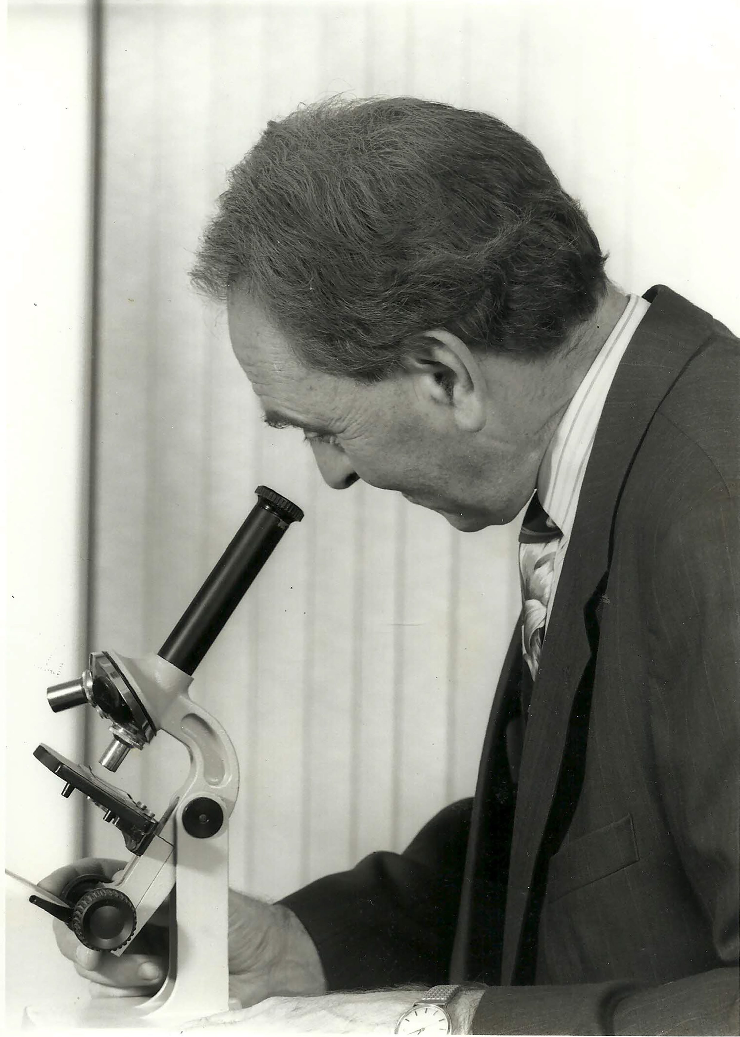 P.G. Davies B.Sc., M.Phil., C.Chem., F.R.S.C., M.I.T.   Member of The Institute of Trichologists, London.