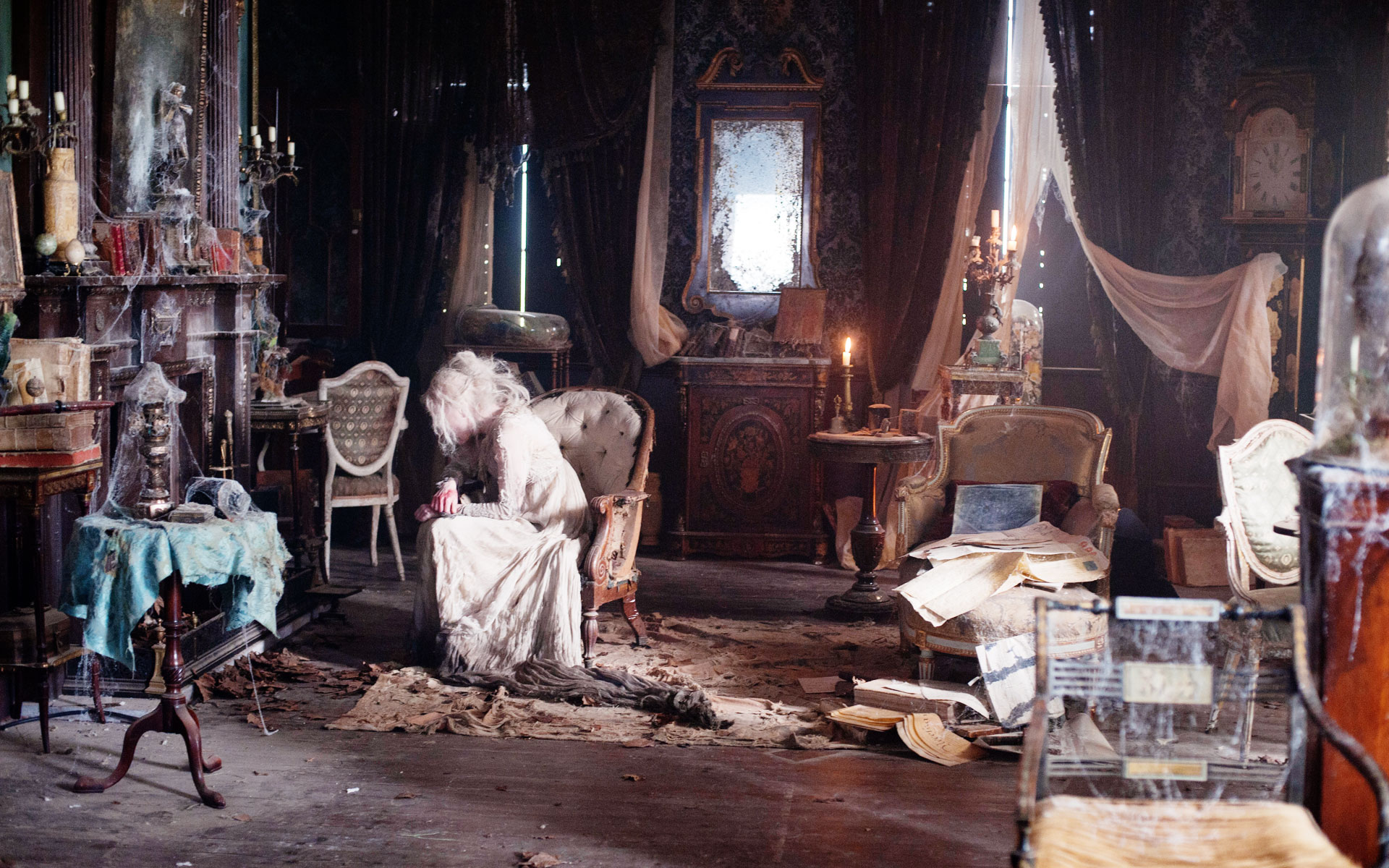 Great Expectations - Satis House interior - David Roger - Production design .jpg