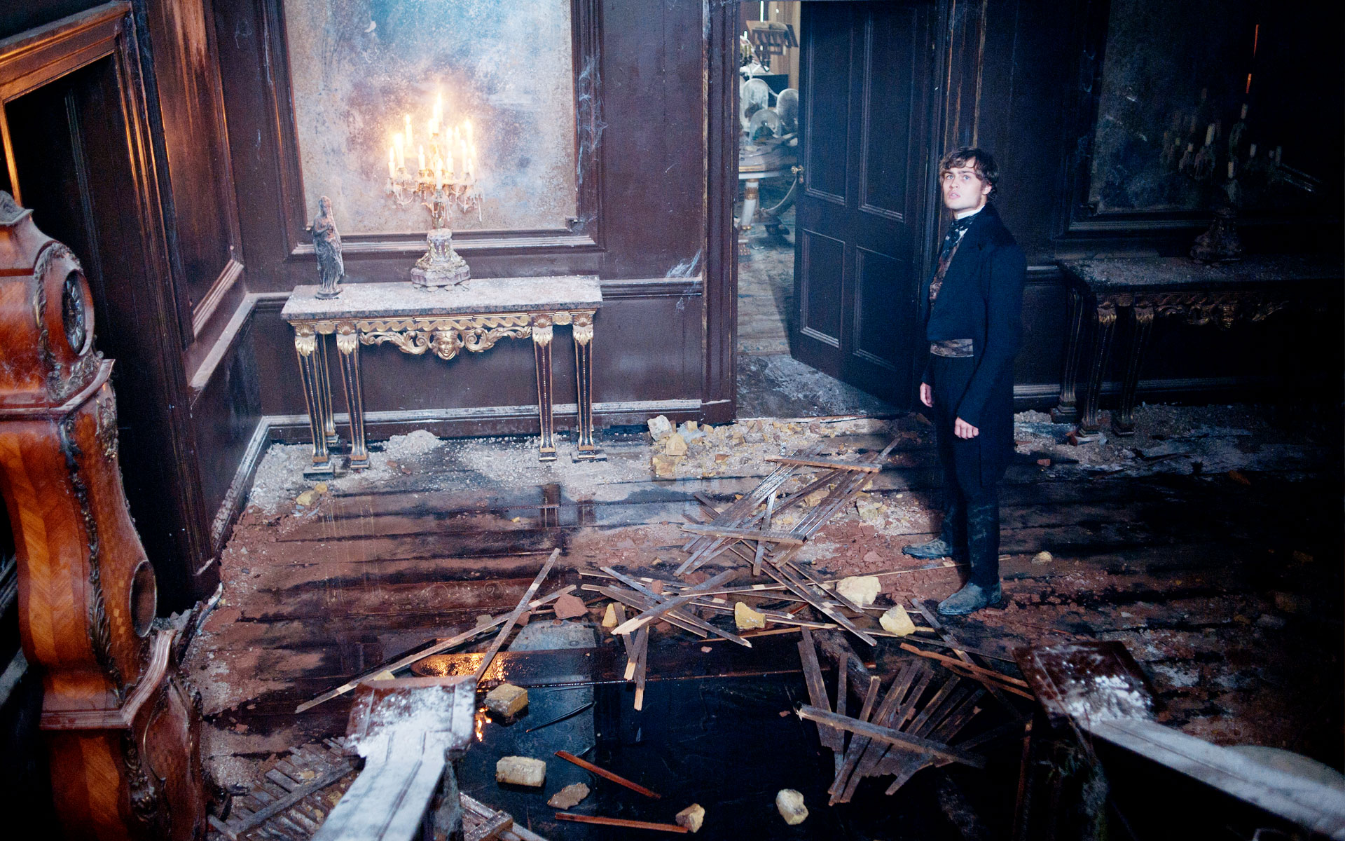 Great Expectations - Satis House interior - Stair well decay -David Roger - Production design .jpg
