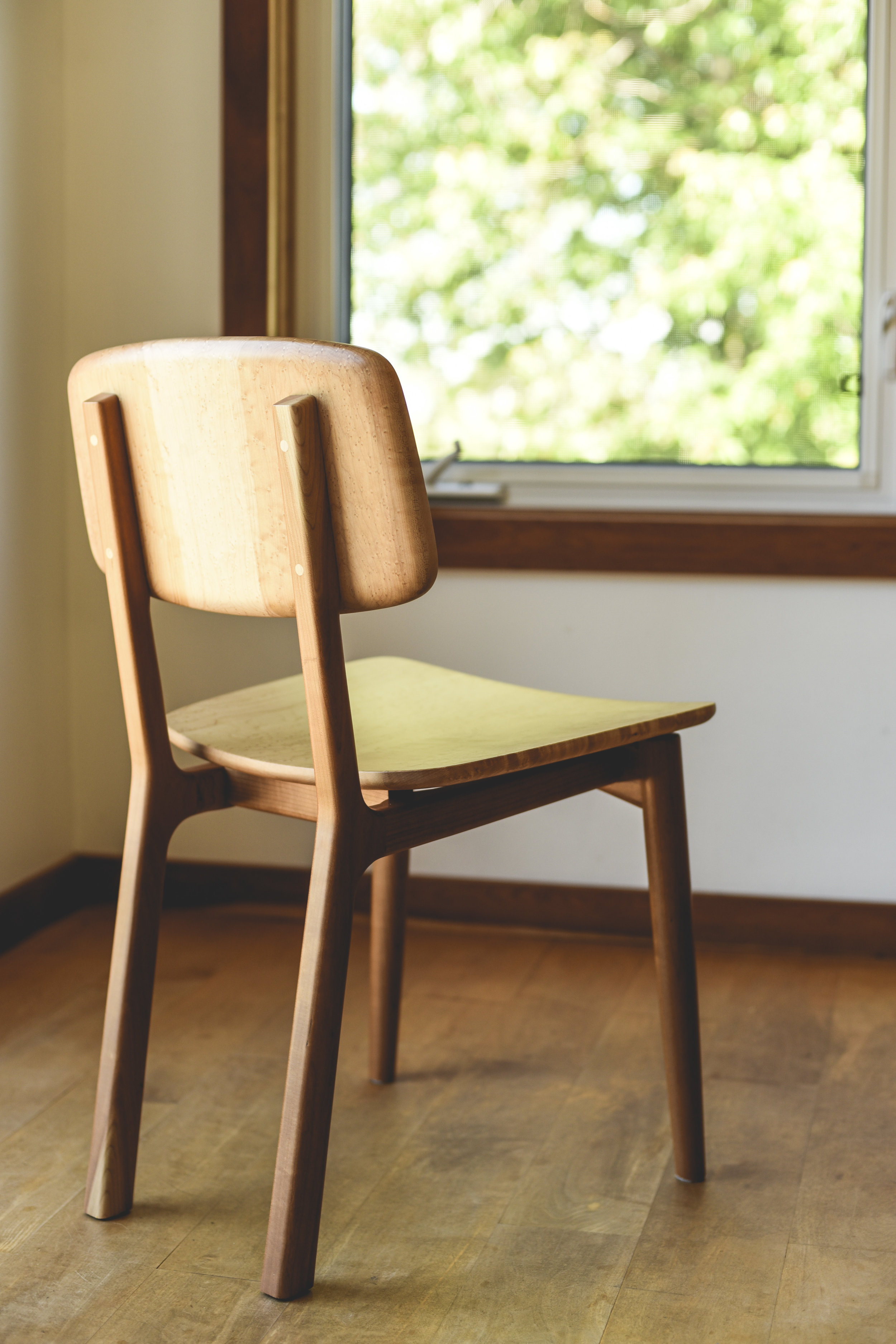 Chaises Moon | Chaises de table en bois | Wooden chairs