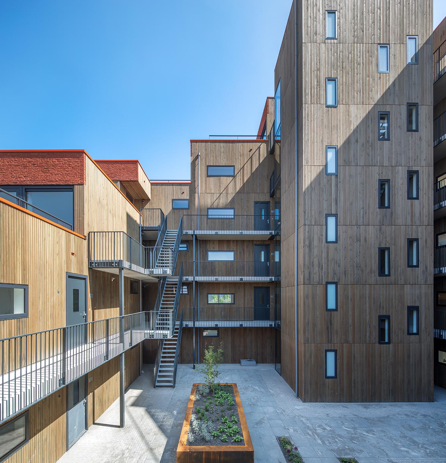 6_1_Urban-Villa-Achillesveld-Almere_Cross-Architecture (1).jpg