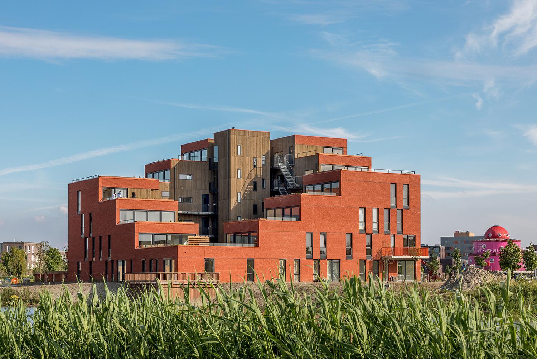6_1_Urban-Villa-Achillesveld-Almere_Cross-Architecture (2).jpg