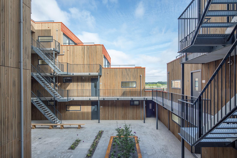 6_5_Urban-Villa-Achillesveld-Almere_Cross-Architecture.jpg