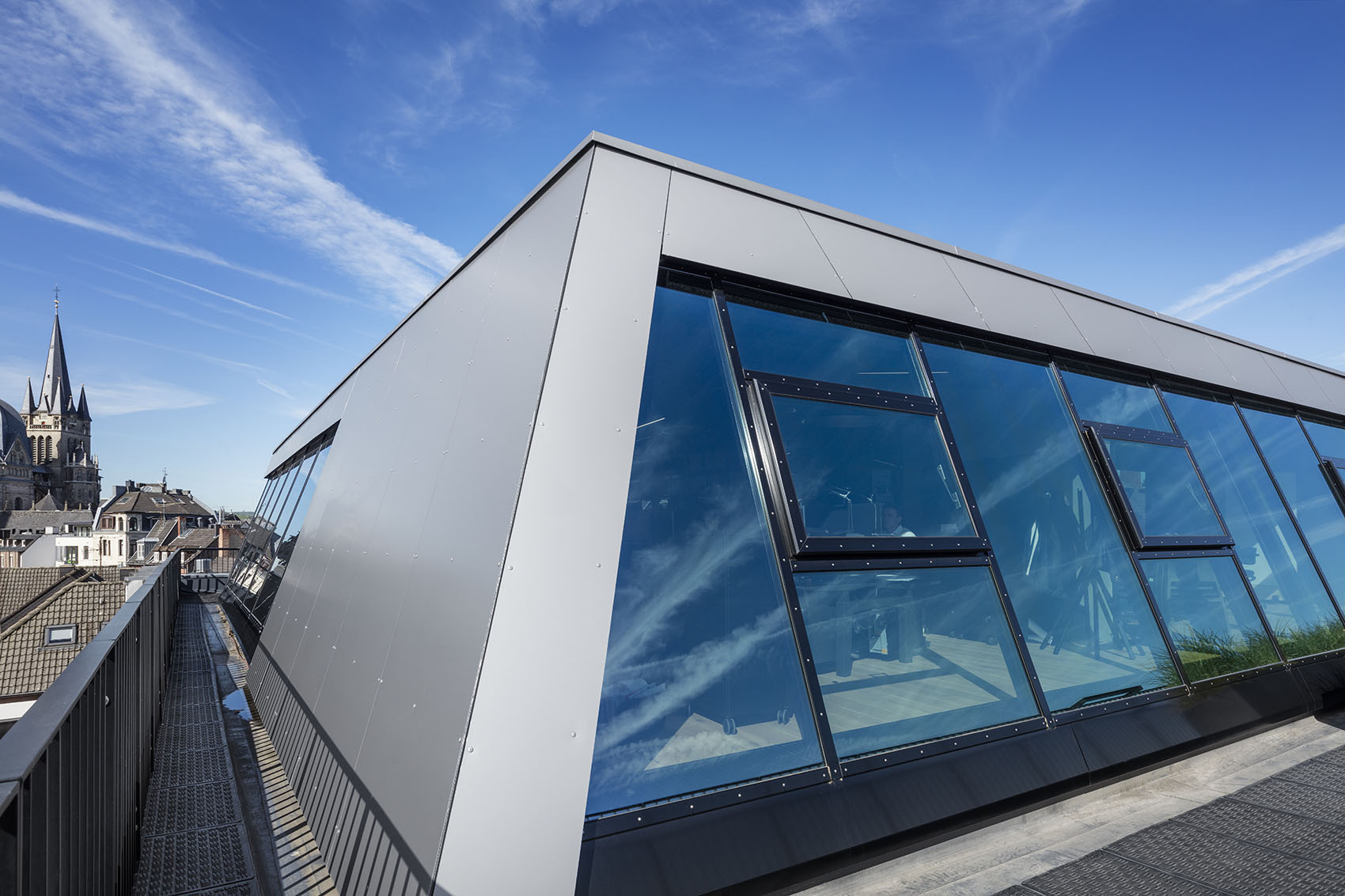 6_Rooftop-Office-Aachen_CROSS-Architecture.jpg