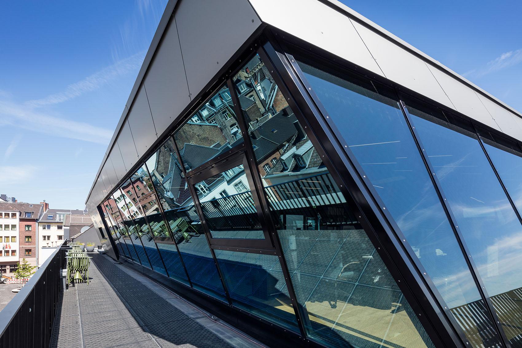 7_Rooftop-Office-Aachen_CROSS-Architecture.jpg