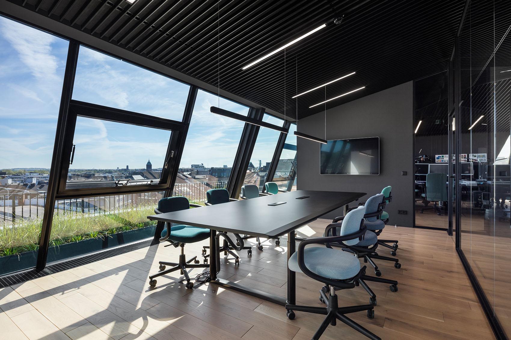 8_1_Rooftop-Office-Aachen_CROSS-Architecture.jpg