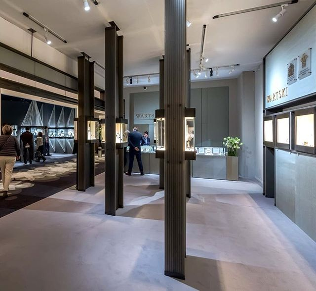 This year for Wartski at TEFAF we designed a seating area in their stand for comfort and discussions with clients.  #wartski#4dprojects#design #architecture#bespoke#display#TEFAF2019