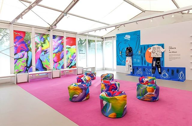 4D had the brilliant opportunity of producing the @artolifewtr playful lounge at Frieze London, featuring three artists - @rosepilky @JoyMiessi and @john_booth.  The space felt energetic and fun, harmonising with the incredibly colourful artworks. Frieze London finishes this Sunday, so be sure to get to Regent's Park to visit!  #4dprojects #Frieze #LifeWtr #RegentsPark #Art #Contemporary #Colourful #Rose #Pilkington #John #Booth #Joy #Miessi