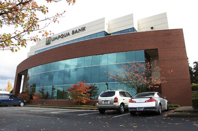 Umqua Bank 3.jpg