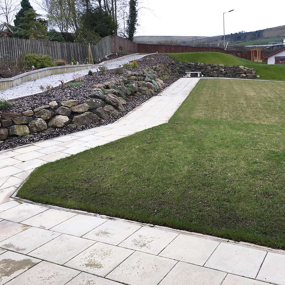 Adapted landscaped garden
