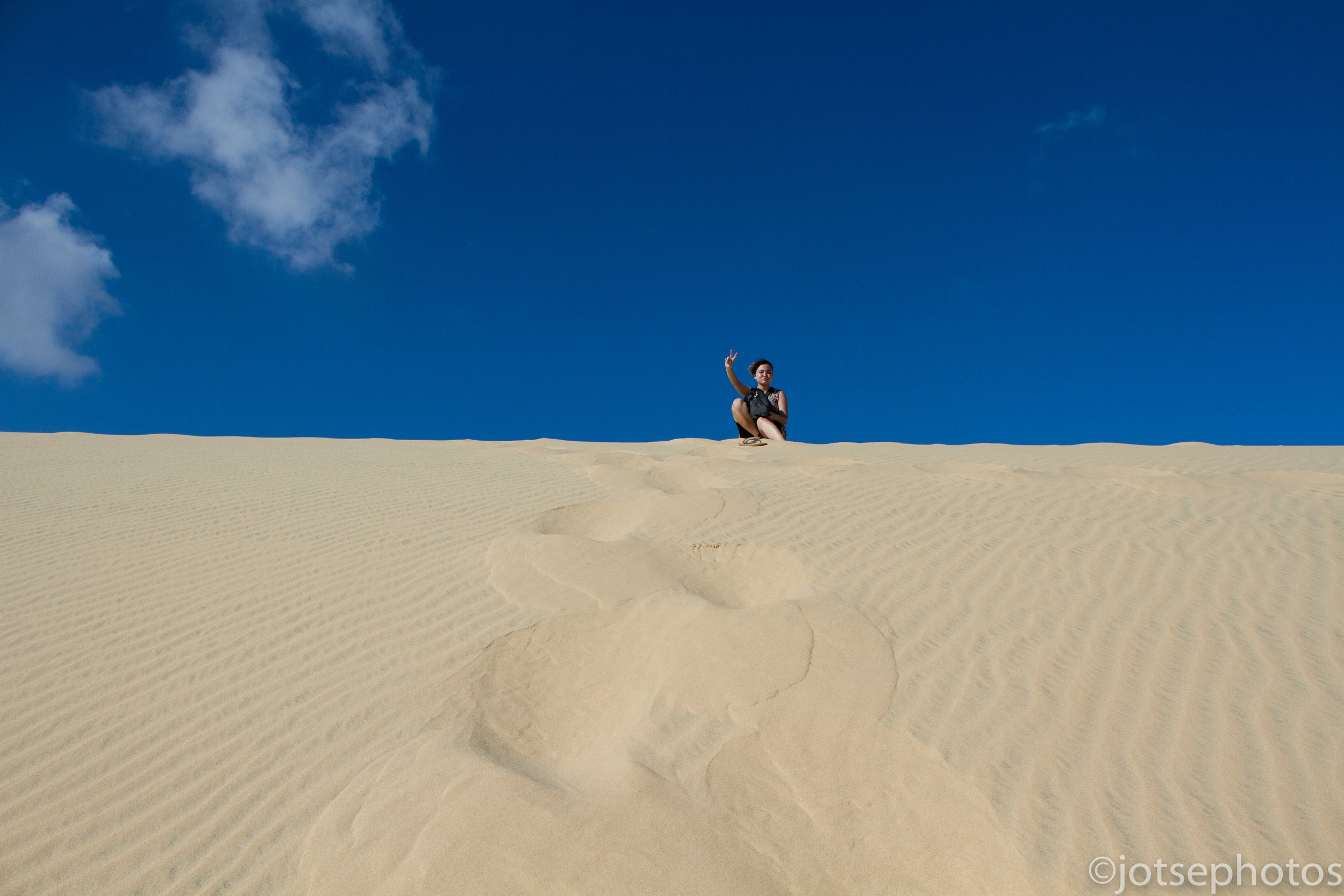 louise-on-the-white-sand-dunes_26889148740_o.jpg