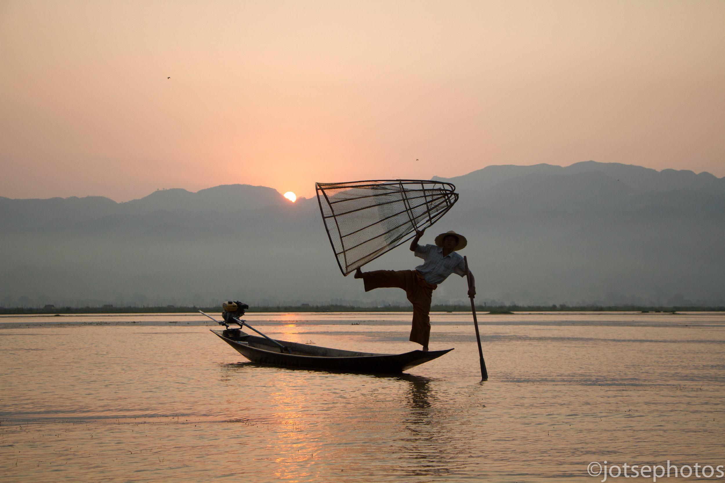 inle-lake-fisherman_26930996950_o.jpg