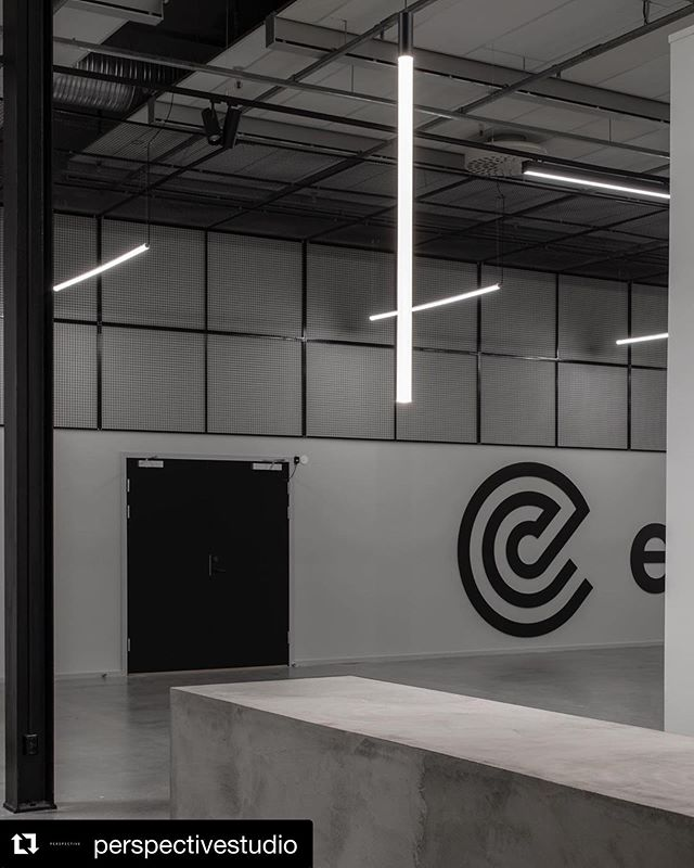 Orbium Acus Vertical luminaire in interior by @perspectivestudio for Effective communication. ・・・ PROJECT: heavy {industrial} metal @effectivecommunication