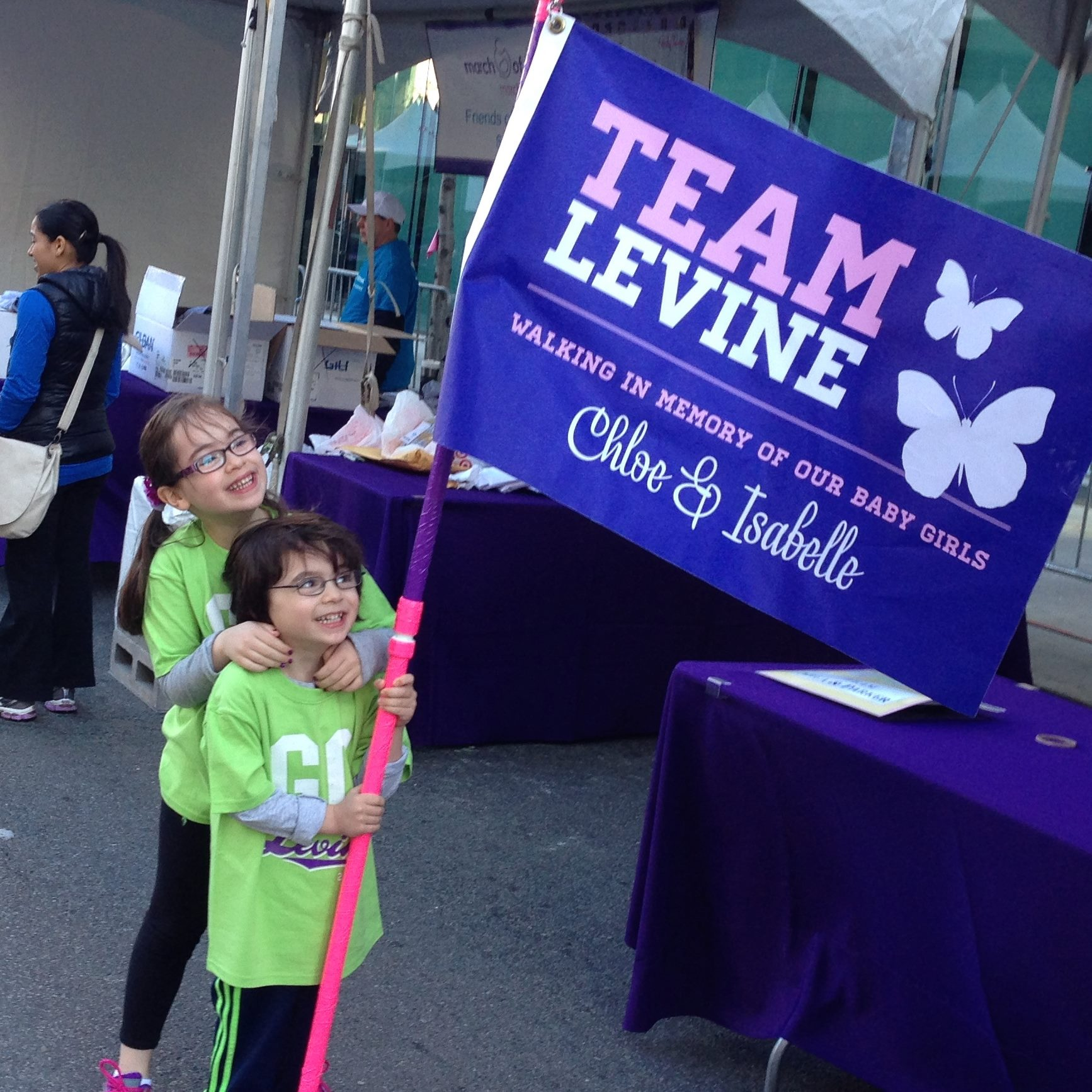 olivia-and-julian-levine-at-the-2015-march-for-babies-walk_16295107564_o.jpg