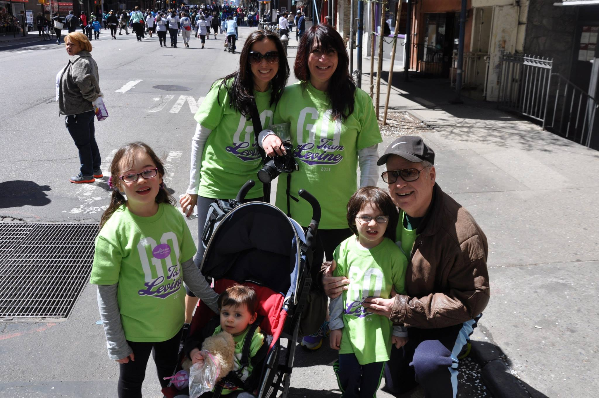 levine-family-at-the-2015-march-for-babies-walk_16917470955_o.jpg