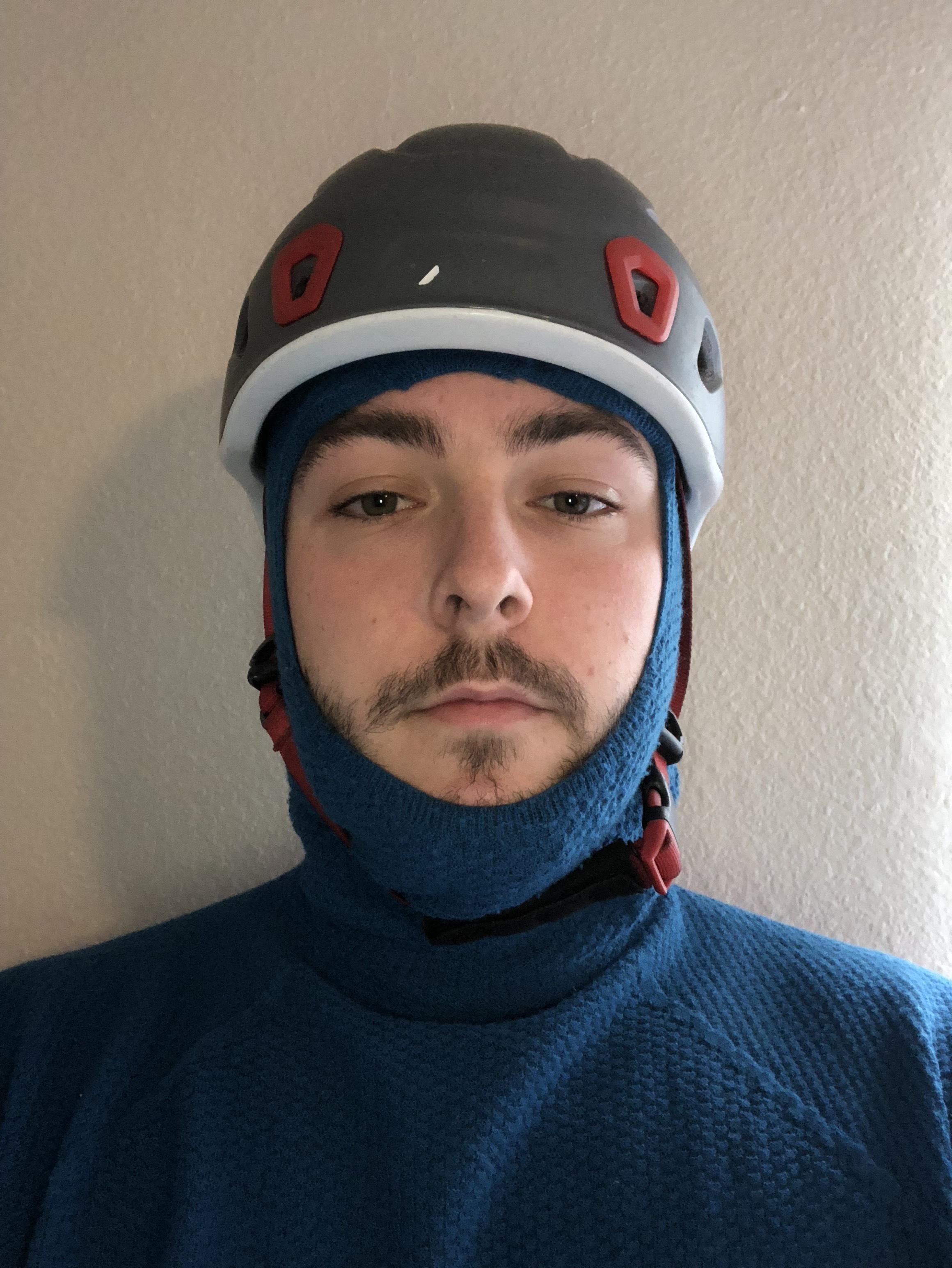 Hoody fit with helmet