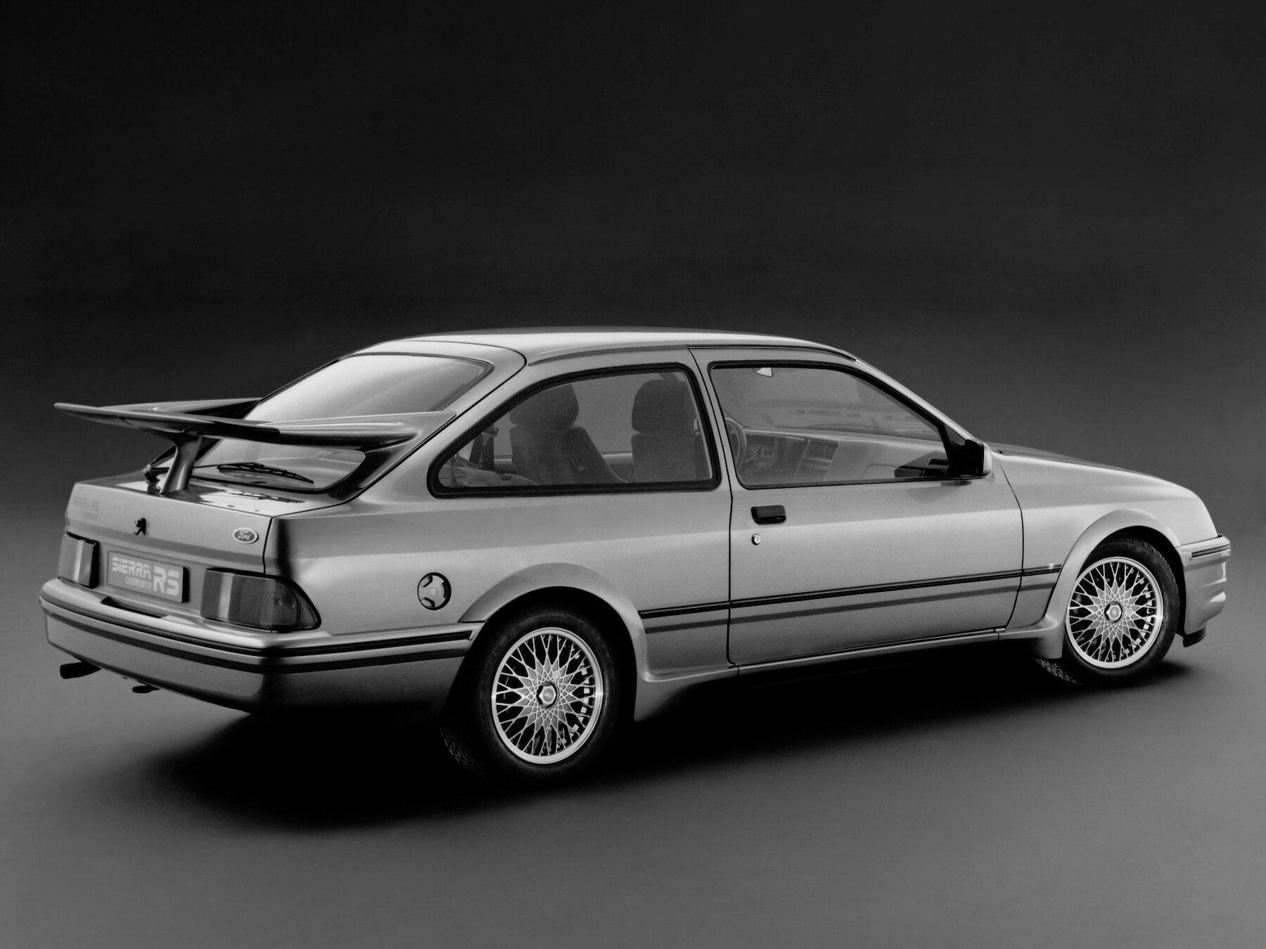 ford_sierra_rs_cosworth_8.jpg