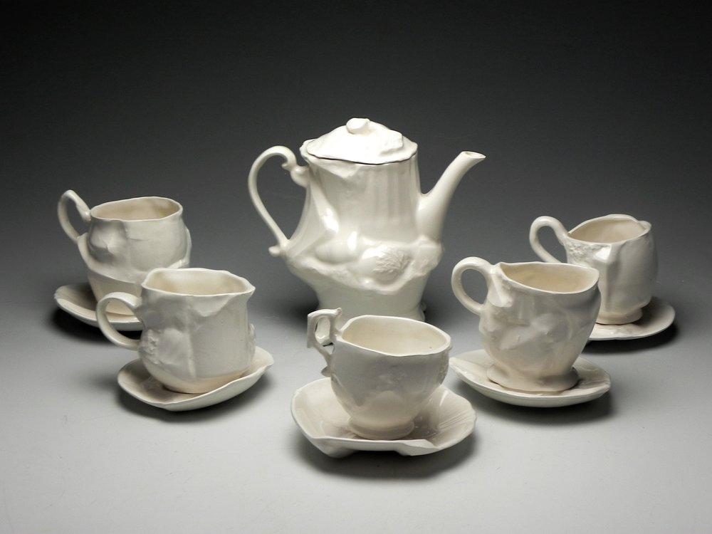 Eluned+Glyn_Minimus+Maximus+-+Tea+Set+print.jpg