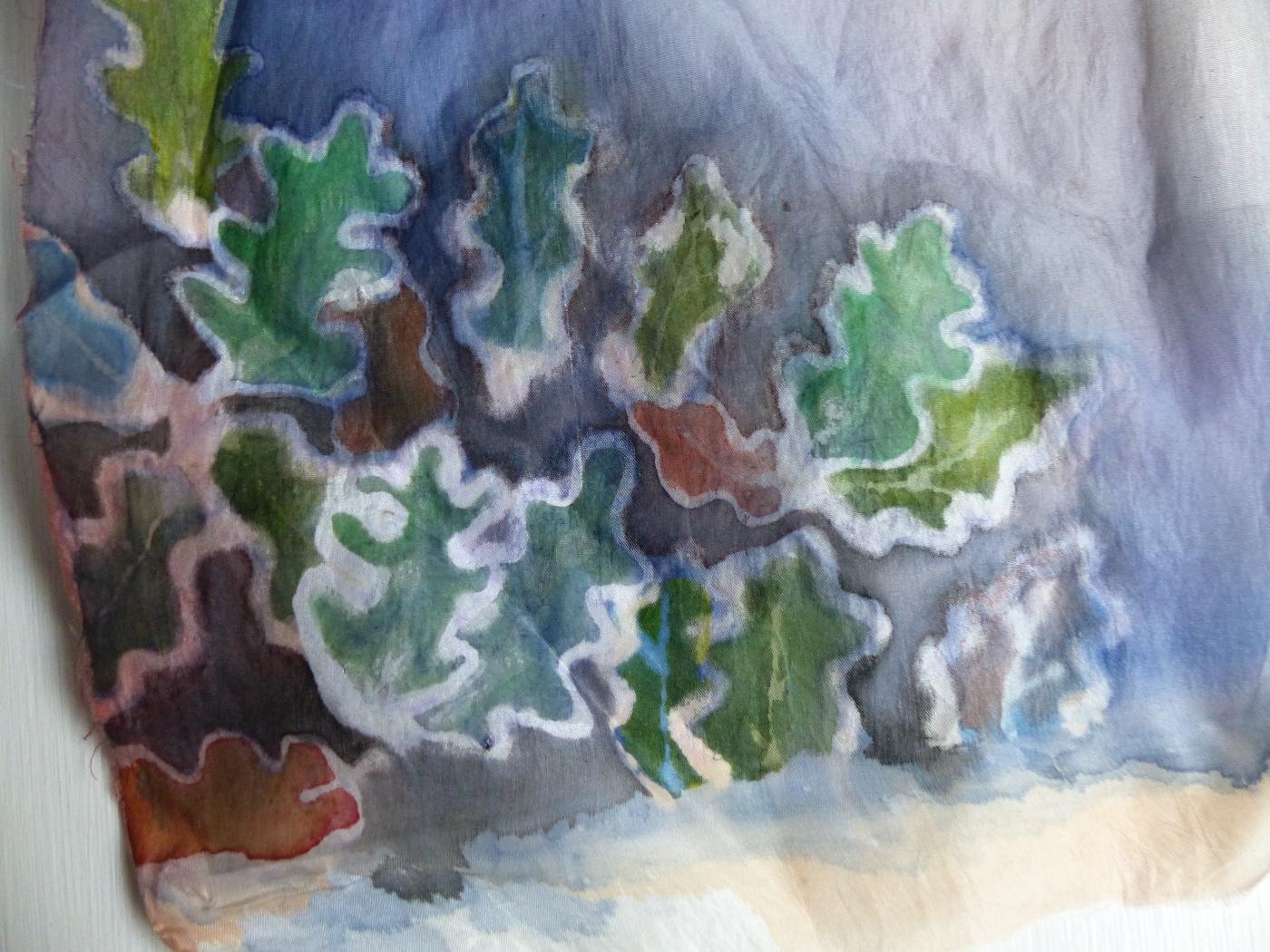 Dusky oak leaves