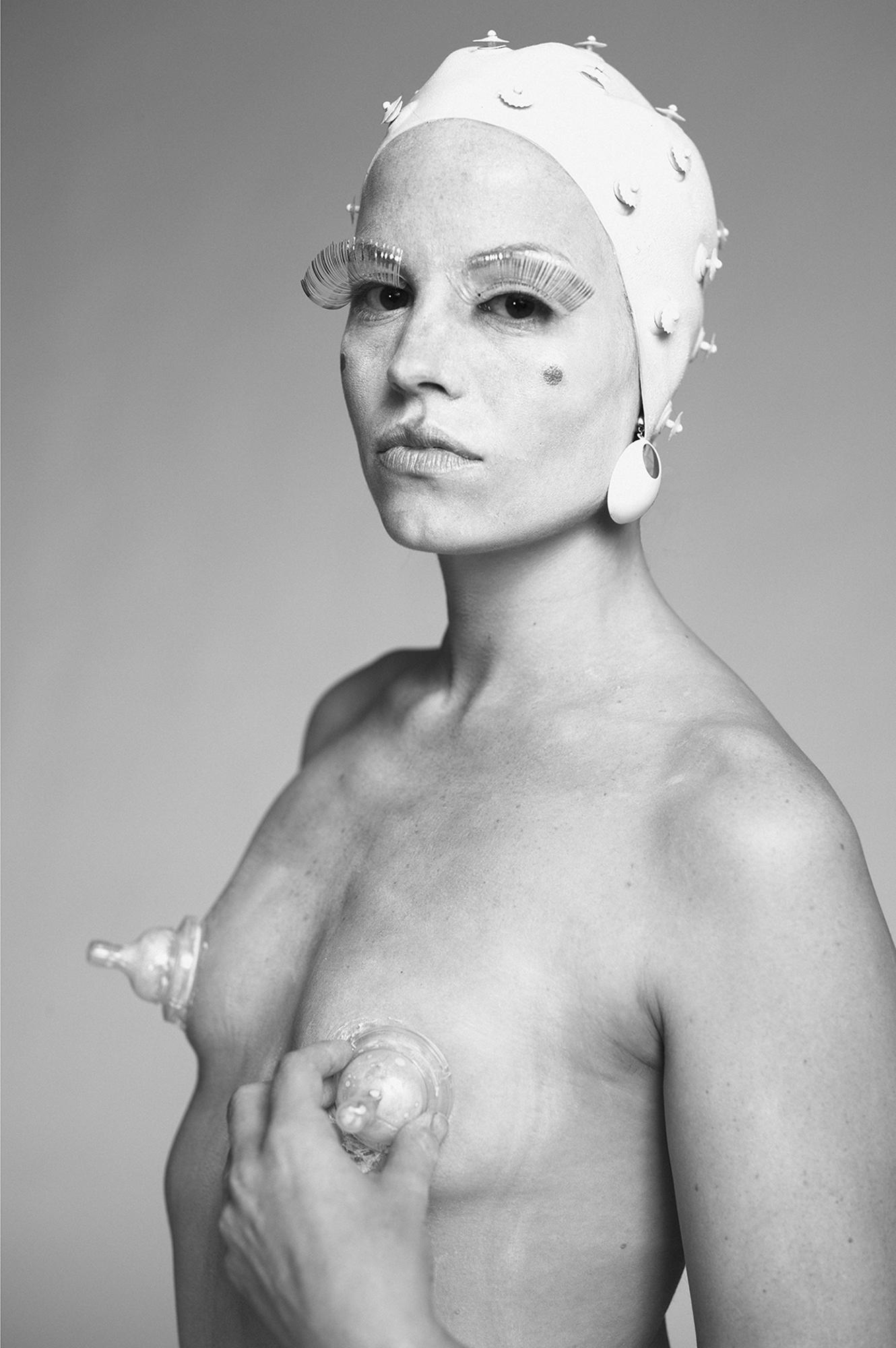 Postmodern Venus , digital photograph. Photo Credit: Chiun Kai Shih, 2012