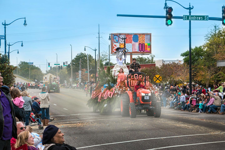 parade.float.111_c.jpg