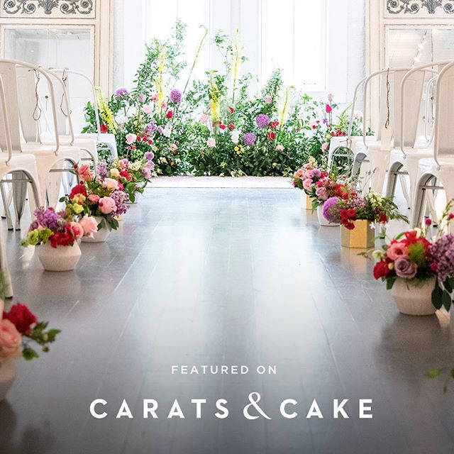 Sooo excited to see Hannah and Dave's wedding featured on @caratsandcake today! Besides being one of the sweetest couples I've ever had the privilege to work with, these two had a beautiful vision for their wedding day and thanks to @havenskitchen and @leeleesgarden for helping make it come true! And thank you @caratsandcake for sharing their magical day! ✨ . . . . .  #youngandwildwedding #socalwedding #southerncaliforniawedding #bigsurweddingphotographer #youngandwildhearts #wanderingweddings #bridalmusings #belovedstories #beautifulkindoflove #authenticlovemag #wildhairandhappyhearts #soloverly #laweddingphotographer #nycwedding #theraweddinggown #newyorkweddingphotography #havenskitchenwedding #uniqueweddingflowers #indoorgarden #floraldesign #weddingflorals #wildflowerswedding