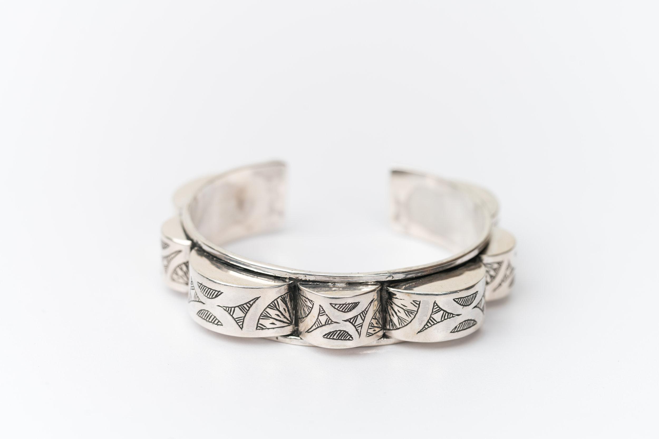Al_Bawma Silver bracelet.jpg