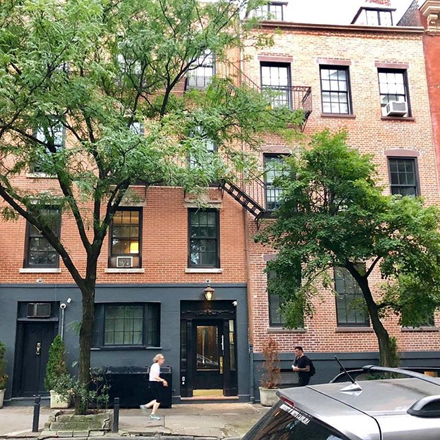 Check out our before and after pix showing off our beautifully restored West 11th Street facade. Steps from Bleecker, this gorgeous property has a huge private garden and overlooks the Bleecker Street garden and playground. #bleeckerstreet #bleeckerstreetbeat #magnoliabakery #westvillage #greenwichvillage #bleeckerstreetplayground #hiddengarden #hudsonstreet