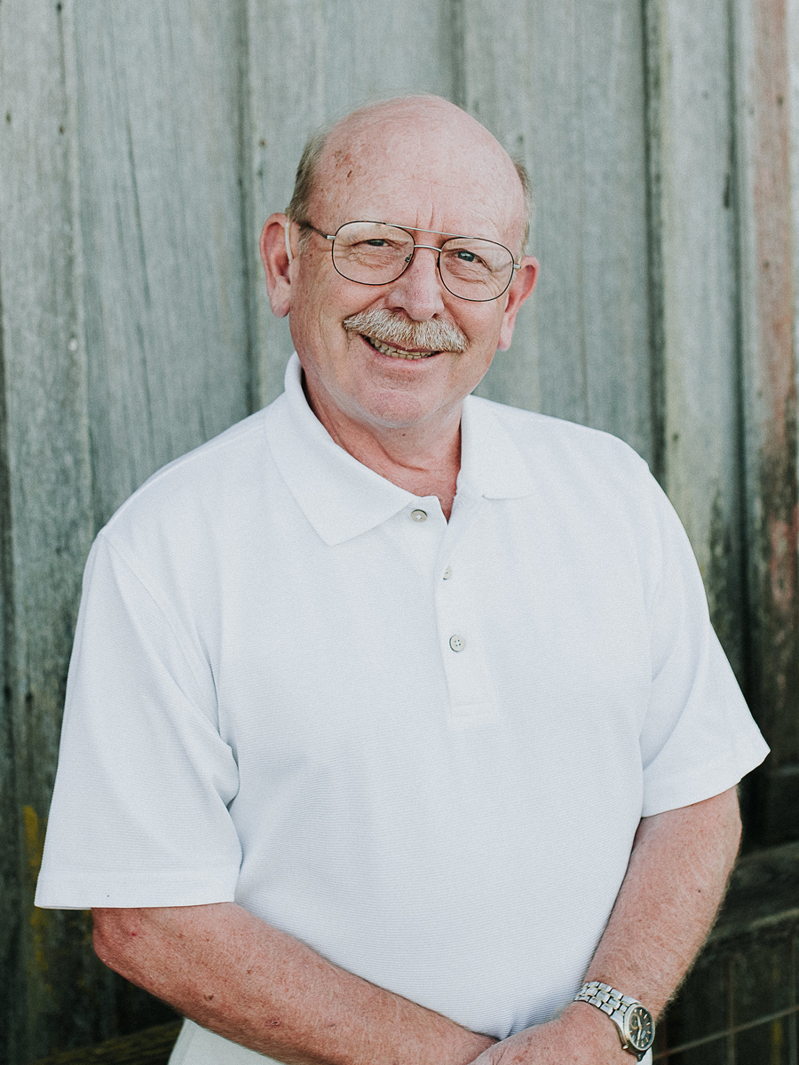 Dr. Bob Knudson has over 31 years professional experience as a dentist.