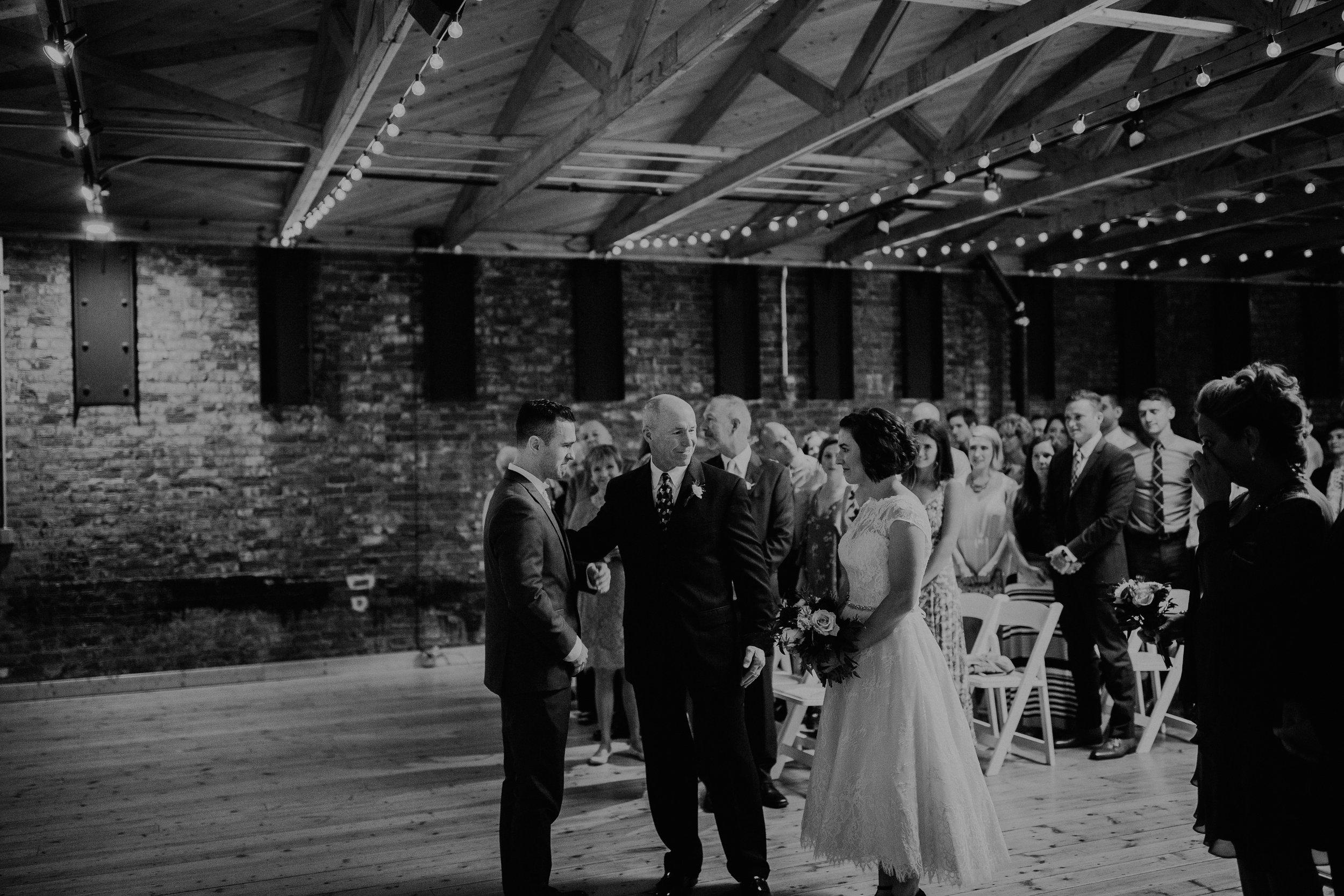 Cincinnati_Rhinegeist_Wedding_Andy_Katie-423.JPG