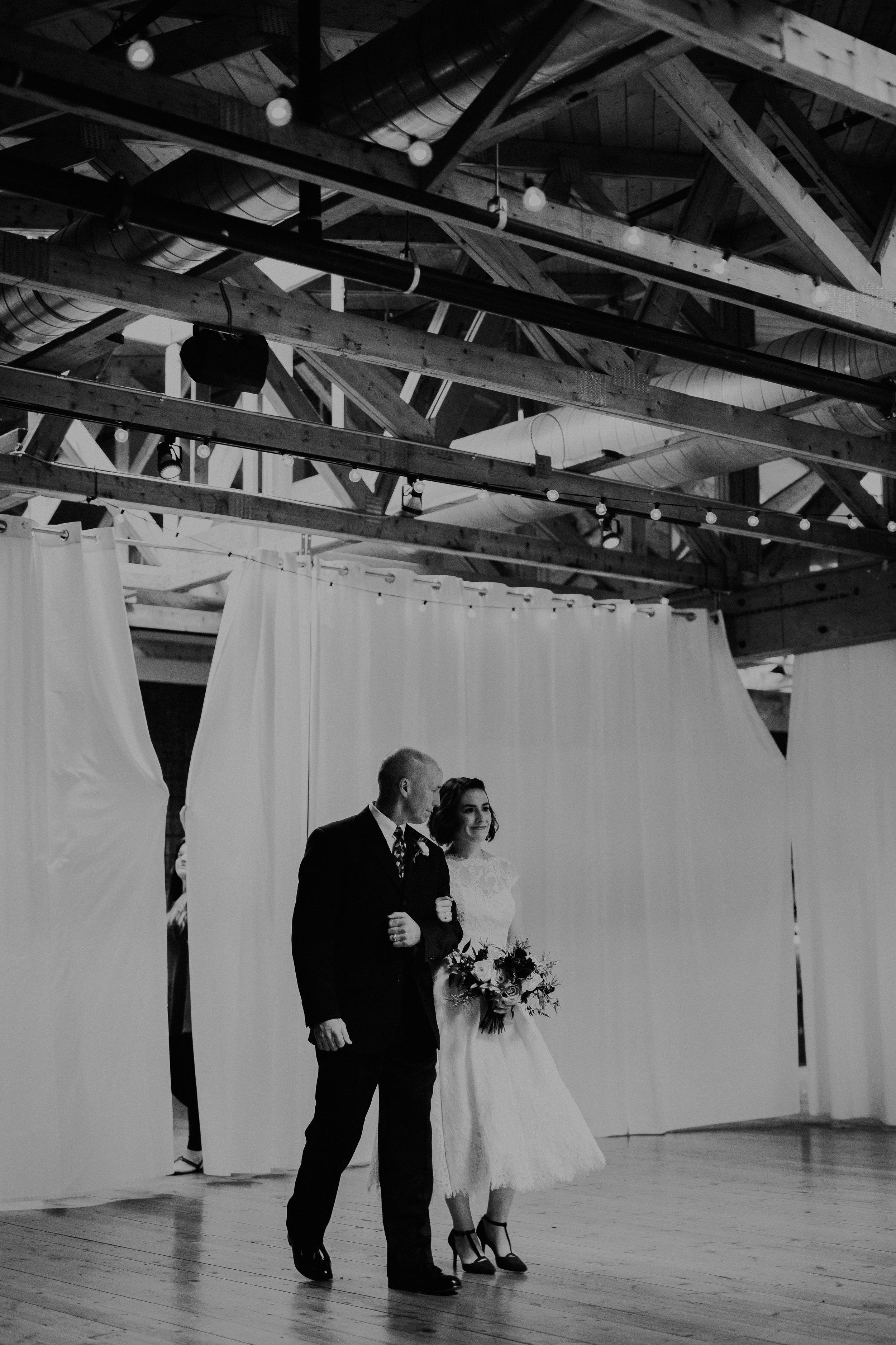 Cincinnati_Rhinegeist_Wedding_Andy_Katie-508.JPG