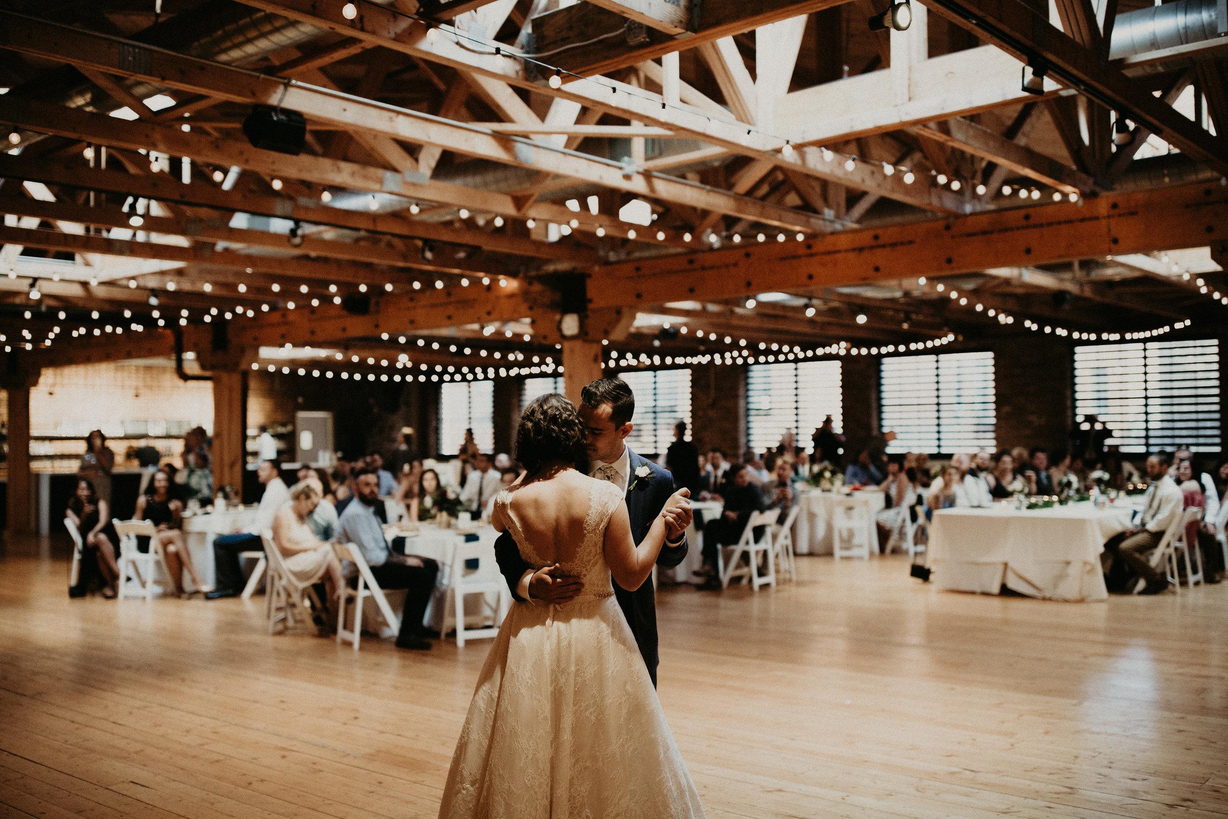 Cincinnati_Rhinegeist_Wedding_Andy_Katie-562.JPG