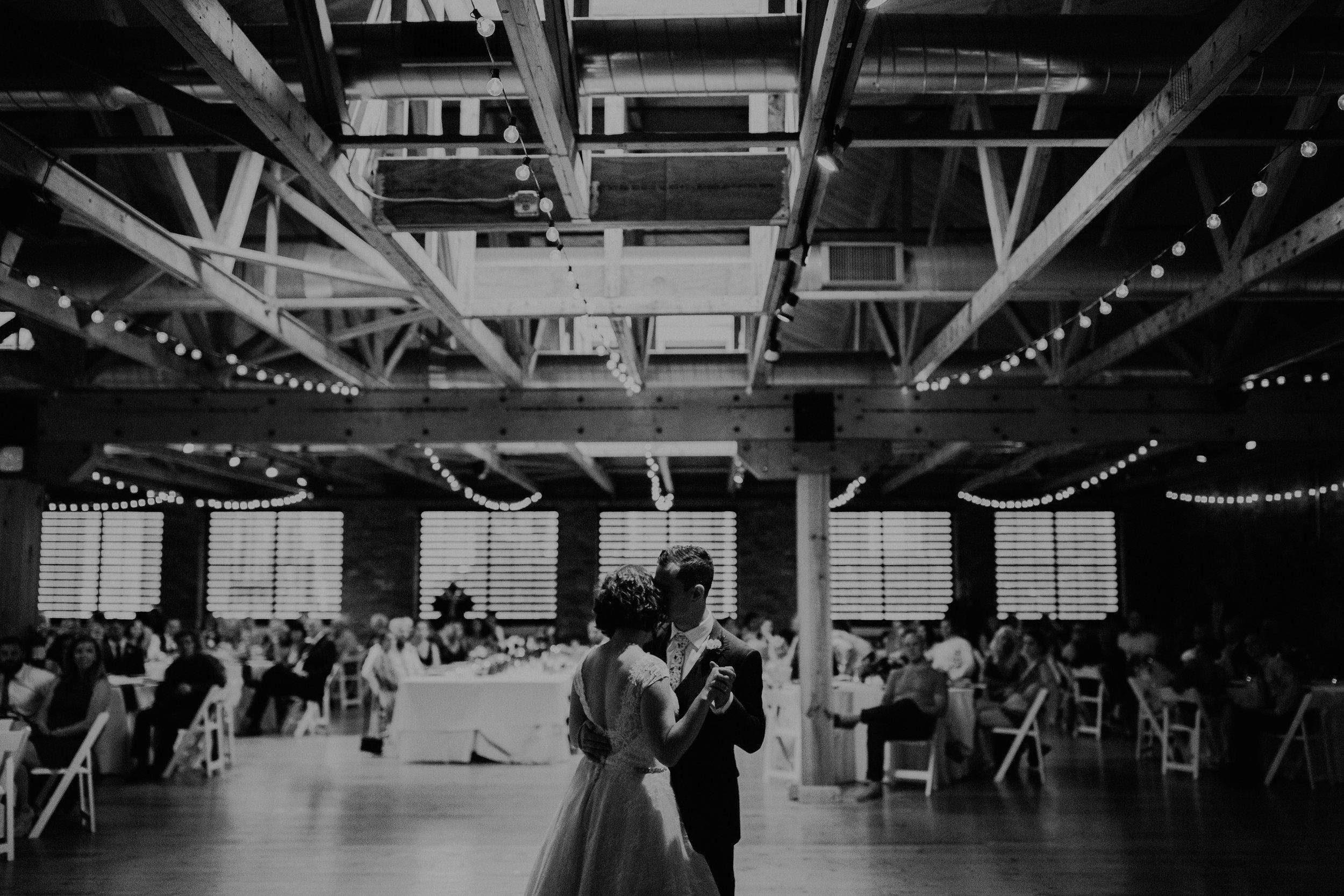 Cincinnati_Rhinegeist_Wedding_Andy_Katie-568.JPG