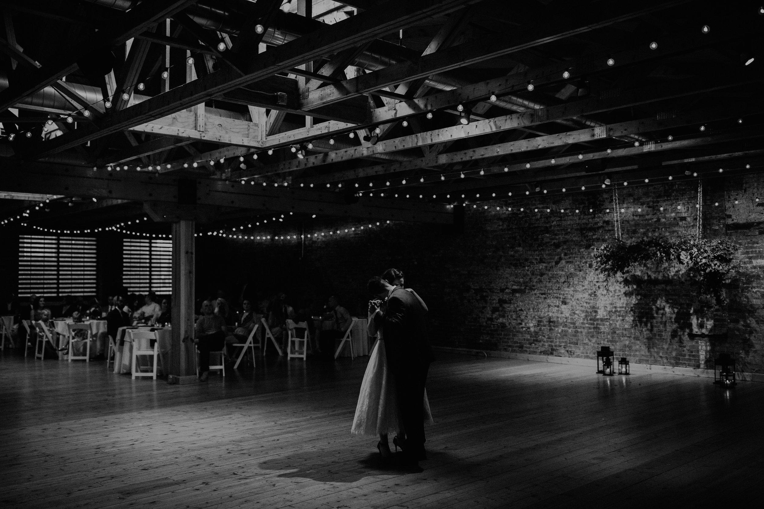 Cincinnati_Rhinegeist_Wedding_Andy_Katie-572.JPG