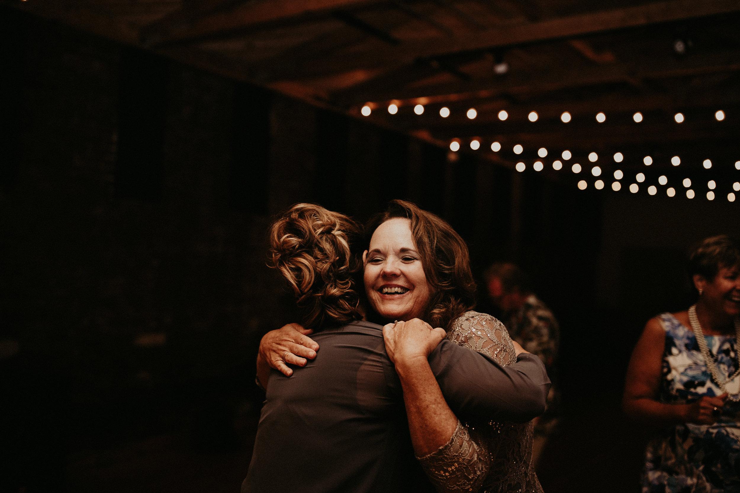 Cincinnati_Rhinegeist_Wedding_Andy_Katie-609.JPG