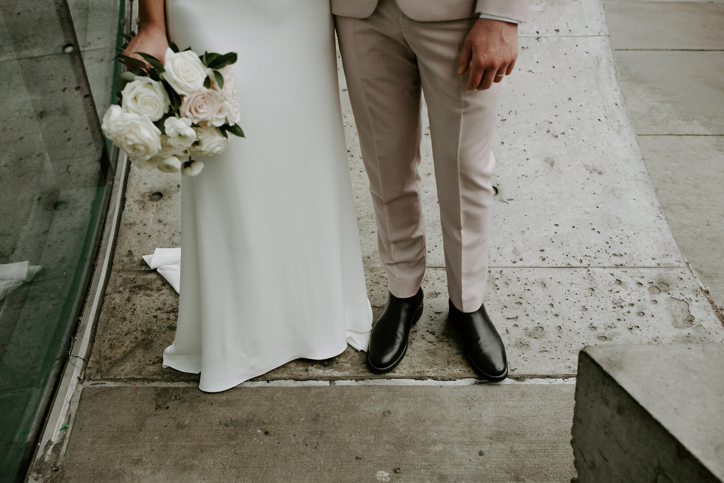 21 C Museum Hotel Wedding: Cincinnati, Ohio // Julie + Andrew