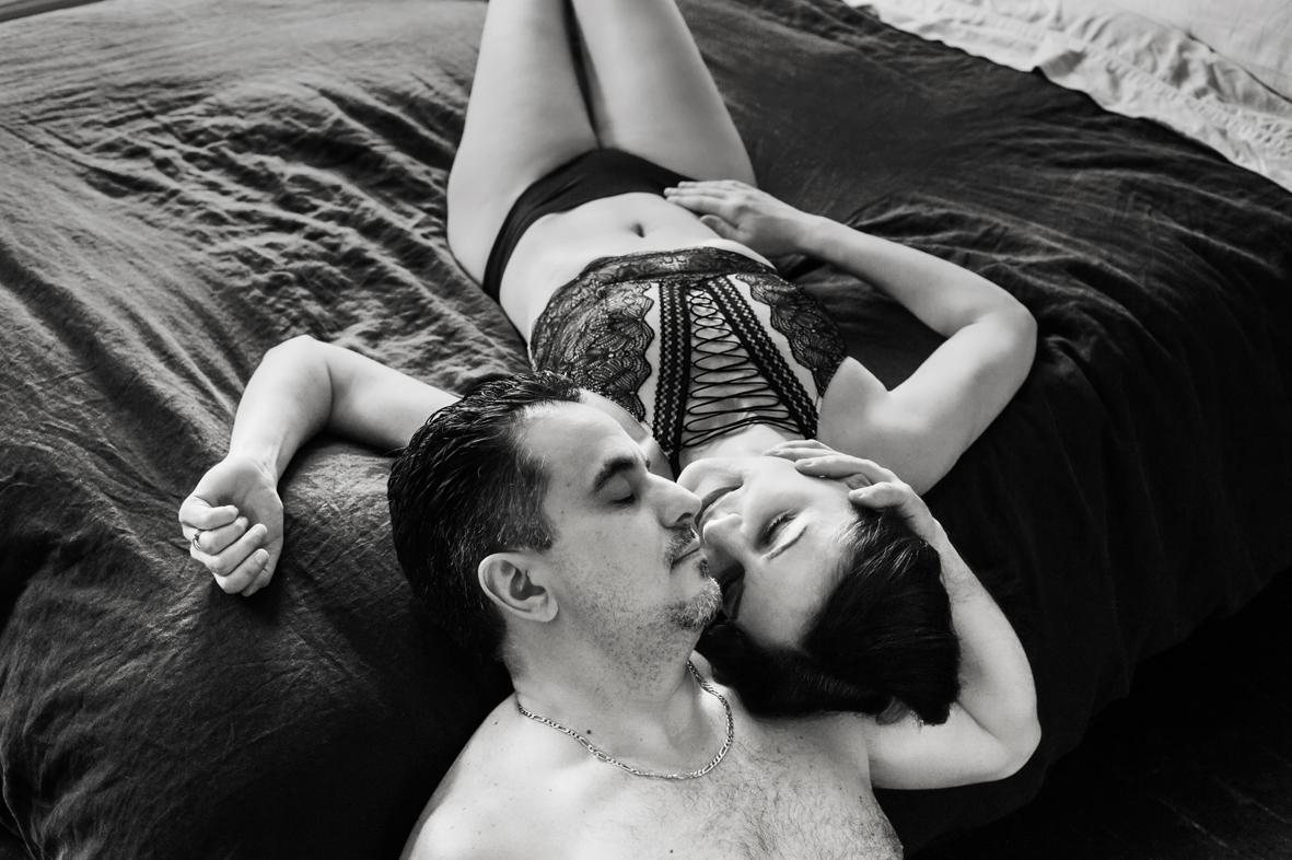 artist-loft-couple-boudoir-scandaleuse-toronto-anniversary-photography-23.jpg
