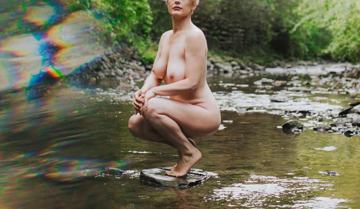 outdoor-boudoir-photography-scandaleuse-toronto.jpg